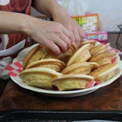 Ushka さんの ほっこり手作りお惣菜パイとアンザックビスケット♪