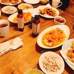 Yukari さんの 〈鶏肉のからあげ〉おうちのそとの、もうひとつのおうち『そとんち』の食卓