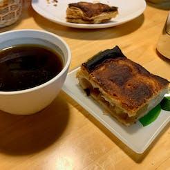 えみ さんの 〈ゆず塩鶏からあげ〉5匹のねこがお出迎え♪ ねこ好きにはたまらない『お茶の間ねこ貴族』の食卓