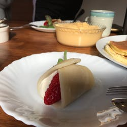 Hiroyo さんの ここでしか食べられない揚げたてオリジナル春巻き6種類と炊き込みご飯の会  [赤羽のお隣ハウス]
